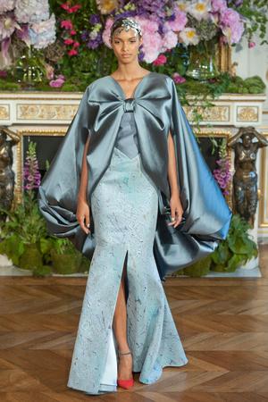 Показ Alexis Mabille коллекции сезона Осень-зима 2013-2014 года Haute couture - www.elle.ru - Подиум - фото 556529