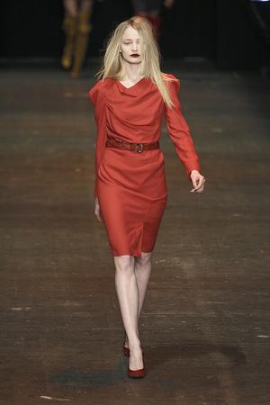 Показ Vivienne Westwood Red Label коллекции сезона Осень-зима 2009-2010 года Prêt-à-porter - www.elle.ru - Подиум - фото 94040