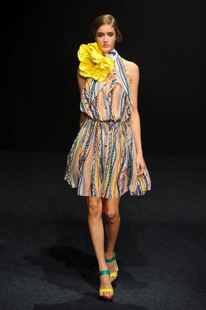 Показ Junko Shimada коллекции сезона Весна-лето 2011 года prêt-à-porter - www.elle.ru - Подиум - фото 190381