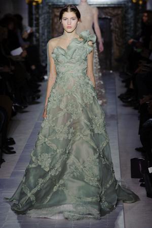 Показ Valentino коллекции сезона Весна-лето 2013 года Haute couture - www.elle.ru - Подиум - фото 480754