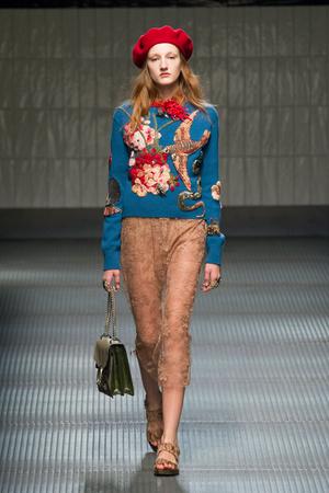 Показ Gucci коллекции сезона Осень-зима 2015-2016 года prêt-à-porter - www.elle.ru - Подиум - фото 594458