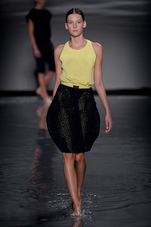 Показ Maison Rabih коллекции сезона Осень-зима 2011-2012 года Haute couture - www.elle.ru - Подиум - фото 277861