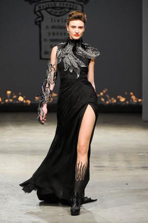 Показ On Aura Tout Vu коллекции сезона Весна-лето 2012 года Haute couture - www.elle.ru - Подиум - фото 332393