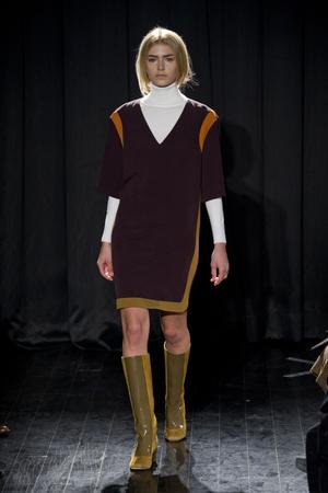 Показ Chicca Lualdi BeeQueen коллекции сезона Осень-зима 2013-2014 года Prêt-à-porter - www.elle.ru - Подиум - фото 514535