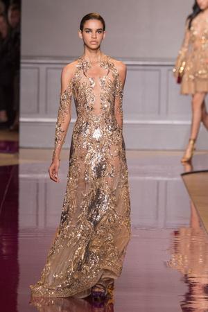 Показ Zuhair Murad коллекции сезона Осень-зима 2016-2017 года Haute couture - www.elle.ru - Подиум - фото 607331