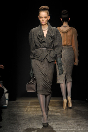 Показ Donna Karan коллекции сезона Осень-зима 2011-2012 года Prêt-à-porter - www.elle.ru - Подиум - фото 229740