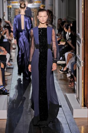 Показ Valentino коллекции сезона Осень-зима 2012-2013 года haute couture - www.elle.ru - Подиум - фото 404938