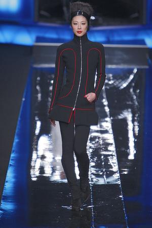 Показ Karl Lagerfeld коллекции сезона Осень-зима 2010-2011 года Prêt-à-porter - www.elle.ru - Подиум - фото 156007