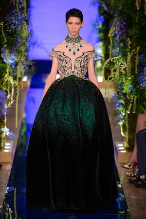 Показ Guo Pei  коллекции сезона Осень-зима 2017-2018 года Haute couture - www.elle.ru - Подиум - фото 623931