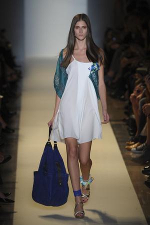 Показ Vanessa Bruno коллекции сезона Весна-лето 2011 года prêt-à-porter - www.elle.ru - Подиум - фото 189994
