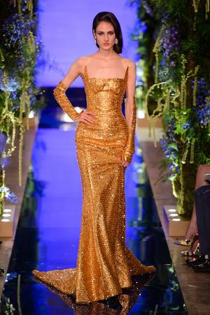 Показ Guo Pei  коллекции сезона Осень-зима 2017-2018 года Haute couture - www.elle.ru - Подиум - фото 623929