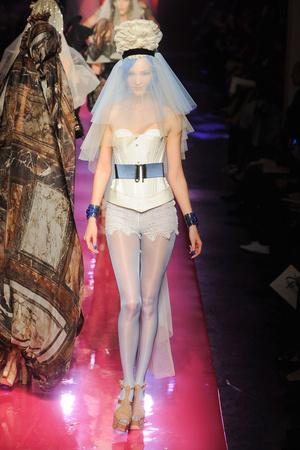 Показ Jean Paul Gaultier коллекции сезона Весна-лето 2012 года Haute couture - www.elle.ru - Подиум - фото 332625