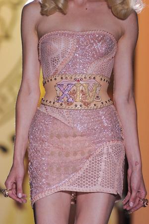 Показ Atelier Versace коллекции сезона Осень-зима 2012-2013 года Haute couture - www.elle.ru - Подиум - фото 402994