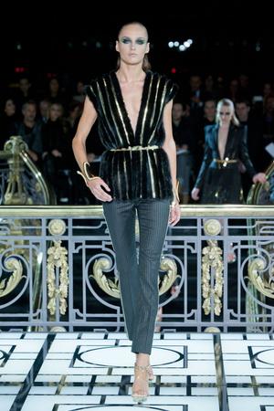 Показ Atelier Versace коллекции сезона Весна-лето 2013 года haute couture - www.elle.ru - Подиум - фото 476983