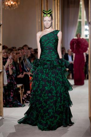 Показ Giambattista Valli коллекции сезона Осень-зима 2012-2013 года Haute couture - www.elle.ru - Подиум - фото 403400
