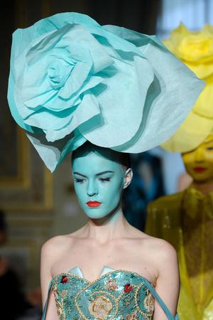 Показ Alexis Mabille коллекции сезона Весна-лето 2012 года Haute couture - www.elle.ru - Подиум - фото 330382