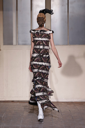 Показ Maison Martin Margiela коллекции сезона Весна-лето 2013 года Haute couture - www.elle.ru - Подиум - фото 480776