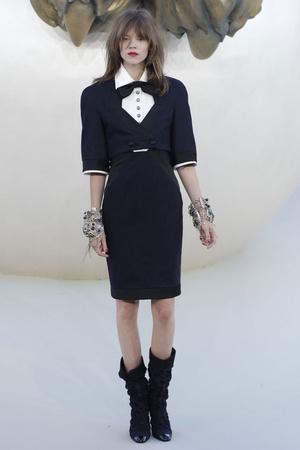 Показ  коллекции сезона Осень-зима 2010-2011 года haute couture - www.elle.ru - Подиум - фото 167897