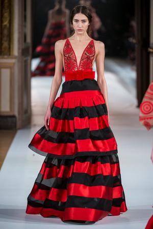 Показ Yanina Couture коллекции сезона Весна-лето  2017 года Haute couture - www.elle.ru - Подиум - фото 616431