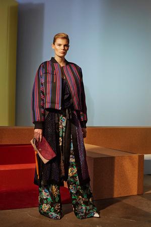 Показ Diane Von Furstenberg коллекции сезона Осень-зима 2017-2018 года prêt-à-porter - www.elle.ru - Подиум - фото 618522
