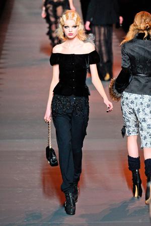 Показ Christian Dior коллекции сезона Осень-зима 2011-2012 года prêt-à-porter - www.elle.ru - Подиум - фото 252114