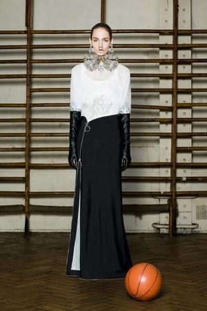Показ Givenchy коллекции сезона Весна-лето 2012 года Haute couture - www.elle.ru - Подиум - фото 332739