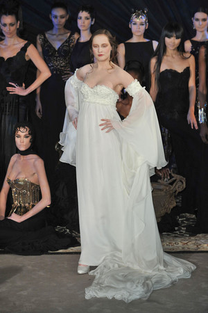 Показ Franck Sorbier коллекции сезона Весна-лето 2010 года haute couture - www.elle.ru - Подиум - фото 138789