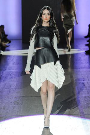 Показ ELLE's Fashion Next коллекции сезона Весна-лето 2013 года prêt-à-porter - www.elle.ru - Подиум - фото 411404