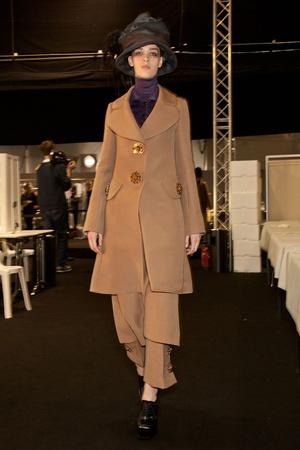 Показ Louis Vuitton коллекции сезона Осень-зима 2012-2013 года Prêt-à-porter - www.elle.ru - Подиум - фото 388748