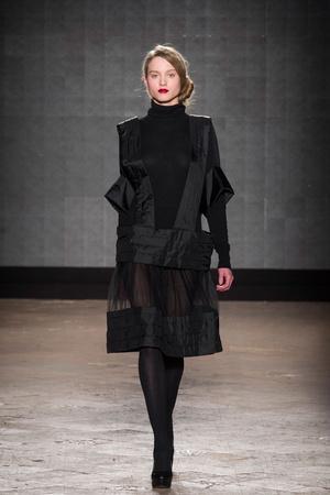 Показ New upcoming designers коллекции сезона Осень-зима 2014-2015 года prêt-à-porter - www.elle.ru - Подиум - фото 581364