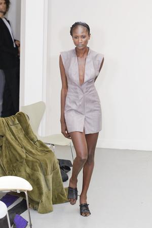 Показ Atelier Gustavo Lins коллекции сезона Осень-зима 2010-2011 года Haute couture - www.elle.ru - Подиум - фото 167271
