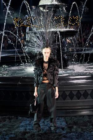 Показ Louis Vuitton коллекции сезона Весна-лето 2014 года Prêt-à-porter - www.elle.ru - Подиум - фото 572343