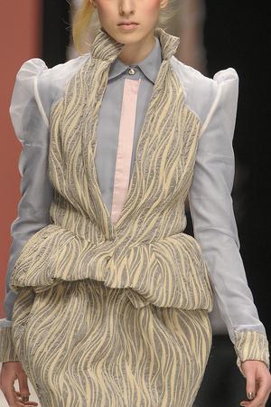 Показ Bora Aksu коллекции сезона Осень-зима 2010-2011 года prêt-à-porter - www.elle.ru - Подиум - фото 150182