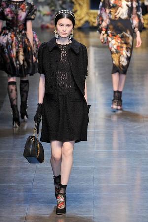 Показ Dolce & Gabbana коллекции сезона Осень-зима 2012-2013 года Prêt-à-porter - www.elle.ru - Подиум - фото 367872