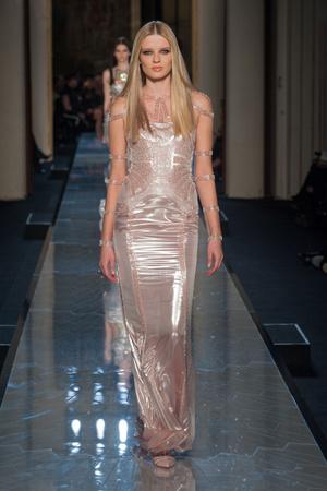 Показ Atelier Versace коллекции сезона Весна-лето 2014 года Haute couture - www.elle.ru - Подиум - фото 574004
