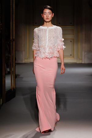 Показ Georges Hobeika коллекции сезона Весна-лето 2013 года Haute couture - www.elle.ru - Подиум - фото 477513