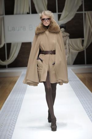 Показ Laura Biagiotti коллекции сезона Осень-зима 2010-2011 года prêt-à-porter - www.elle.ru - Подиум - фото 153283