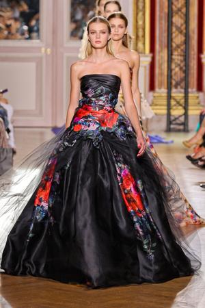 Показ Zuhair Murad коллекции сезона Осень-зима 2012-2013 года haute couture - www.elle.ru - Подиум - фото 404987