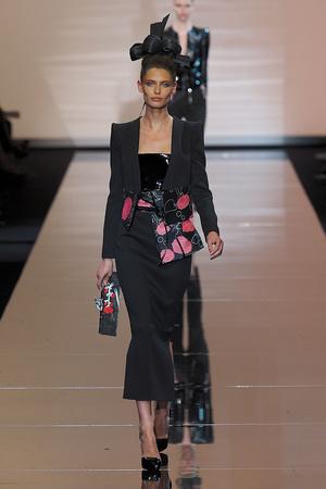 Показ Giorgio Armani Privé коллекции сезона Осень-зима 2011-2012 года haute couture - www.elle.ru - Подиум - фото 277583