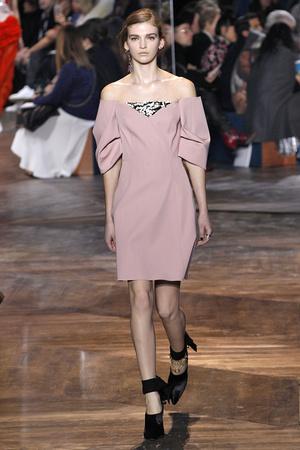 Показ CHRISTIAN DIOR коллекции сезона Весна-лето  2016 года Haute couture - www.elle.ru - Подиум - фото 602656