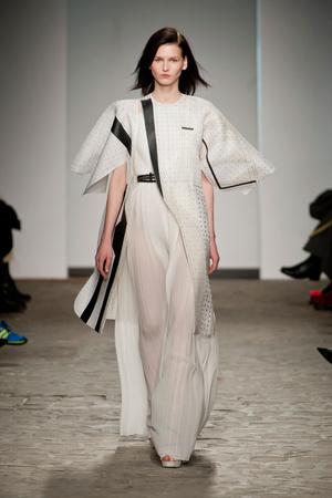 Показ Vionnet коллекции сезона Весна-лето 2014 года Haute couture - www.elle.ru - Подиум - фото 575053