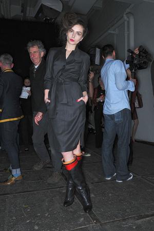 Показ Vivienne Westwood Red Label коллекции сезона Осень-зима 2009-2010 года Prêt-à-porter - www.elle.ru - Подиум - фото 94039