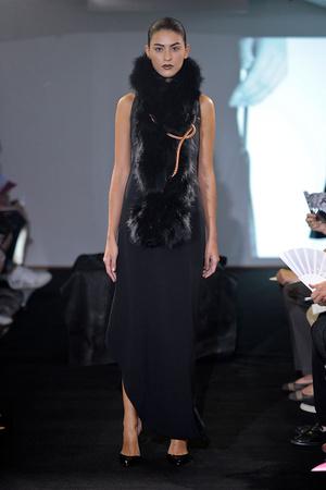 Показ Atelier Gustavo Lins коллекции сезона Осень-зима 2011-2012 года Haute couture - www.elle.ru - Подиум - фото 278119