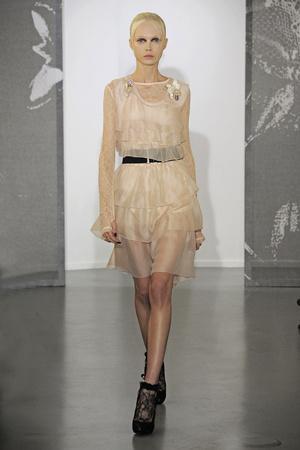 Показ Nina Ricci коллекции сезона Весна-лето 2010 года Prêt-à-porter - www.elle.ru - Подиум - фото 129768