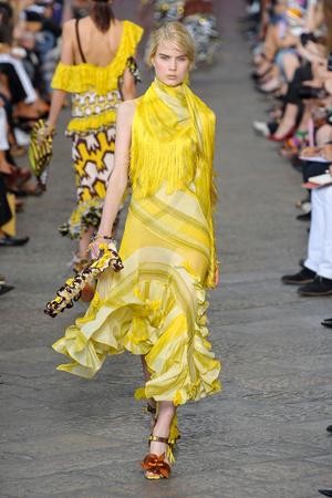 Показ Missoni коллекции сезона Весна-лето 2012 года prêt-à-porter - www.elle.ru - Подиум - фото 305166
