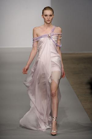 Показ Christophe Josse коллекции сезона Весна-лето 2011 года haute couture - www.elle.ru - Подиум - фото 214805