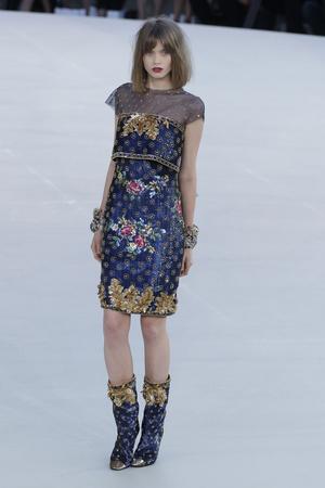 Показ  коллекции сезона Осень-зима 2010-2011 года haute couture - www.elle.ru - Подиум - фото 167894