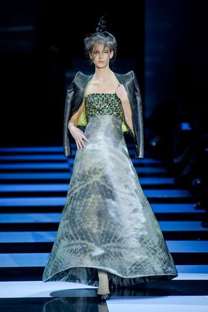 Показ Giorgio Armani Privé коллекции сезона Весна-лето 2012 года Haute couture - www.elle.ru - Подиум - фото 331476