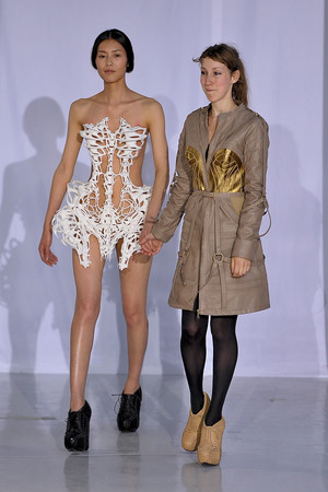 Показ  коллекции сезона Осень-зима 2011-2012 года Haute couture - www.elle.ru - Подиум - фото 276991