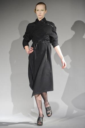 Показ Atelier Gustavo Lins коллекции сезона Весна-лето 2011 года haute couture - www.elle.ru - Подиум - фото 216128